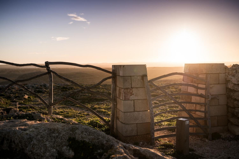 Sortida de sol al Morro de sa Falconera (Foto: Oriol Batista).
